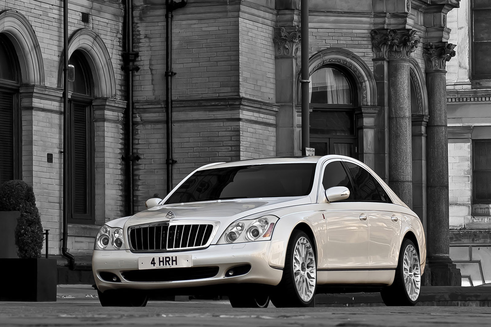 Project Kahn creates a very special Maybach 57 tune