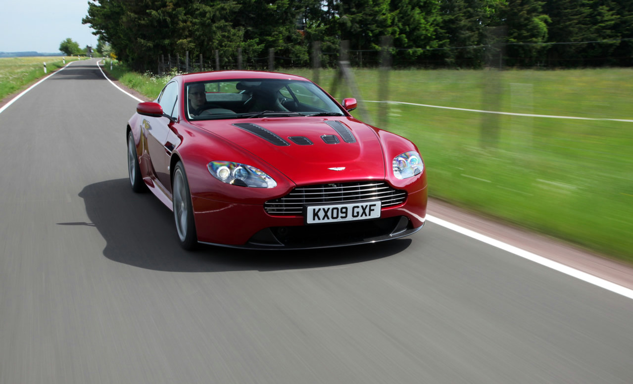 Aston Martin Performance Driving Course now includes V12 Vantage experience