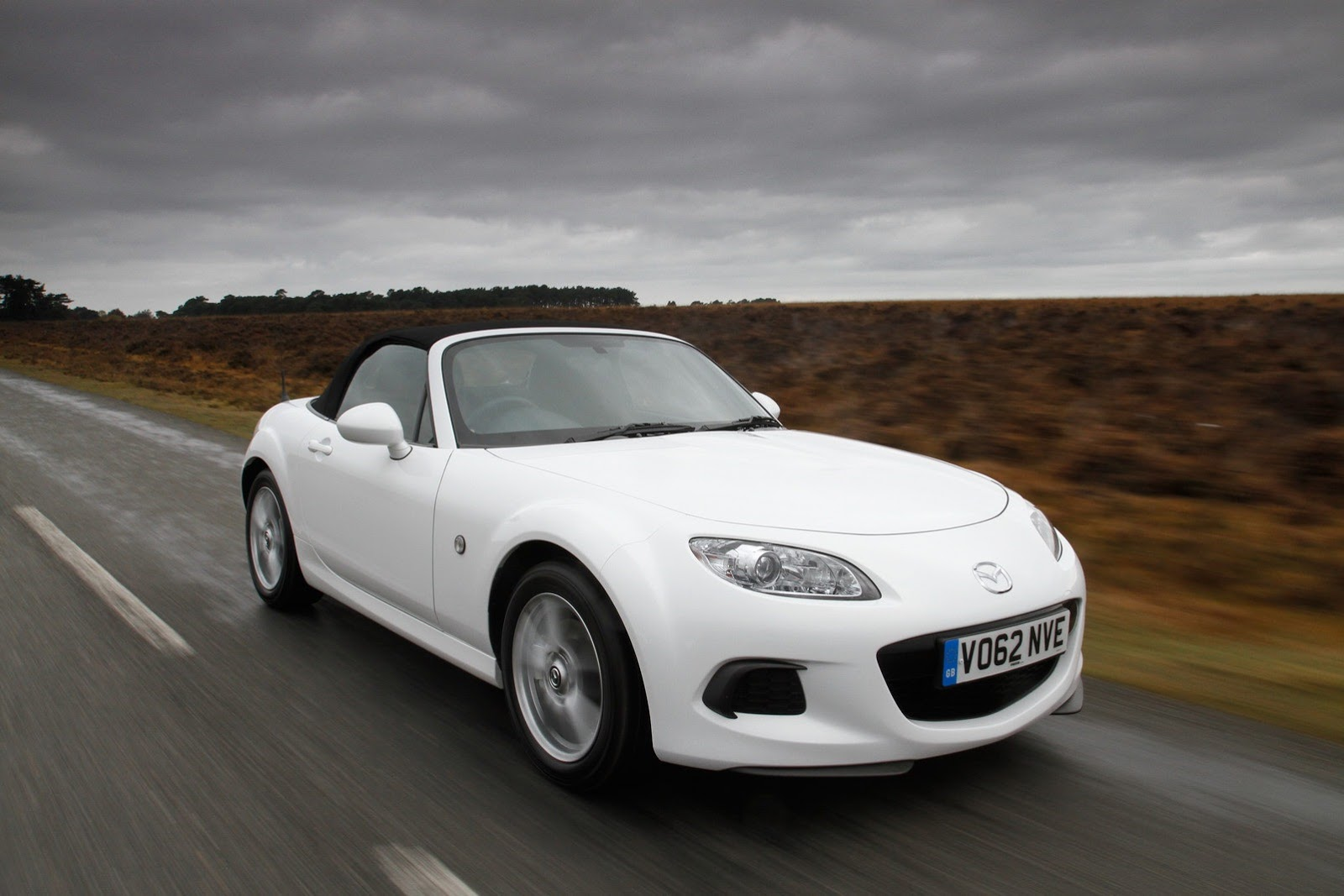2013 Mazda MX-5 priced from £18,495 in the United Kingdom
