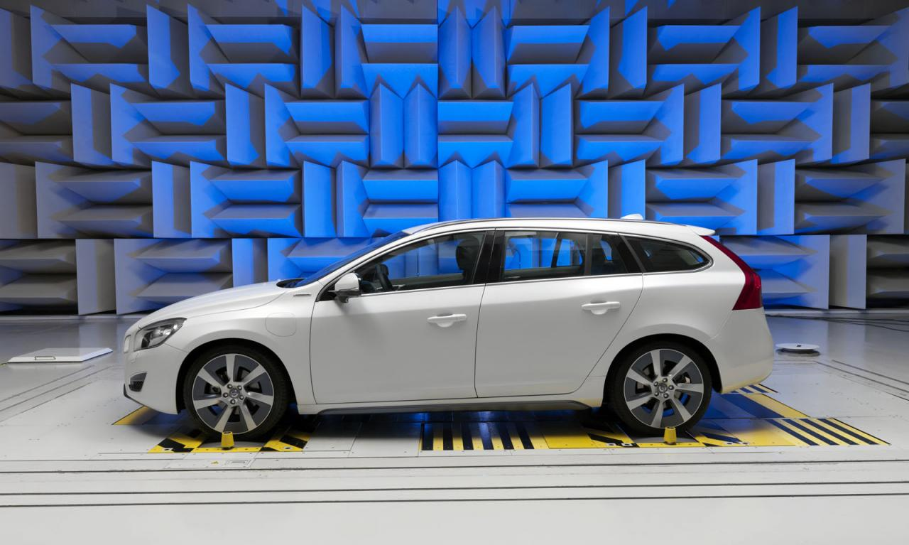 Volvo kicks production of V60 plug-in hybrid