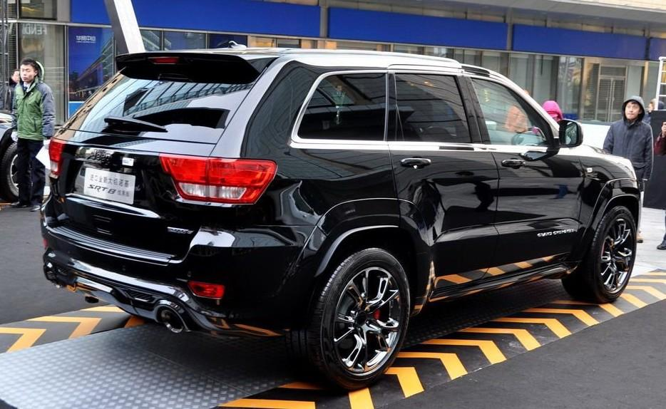 Jeep Grand Cherokee SRT8 Hyun Black Edition introduced