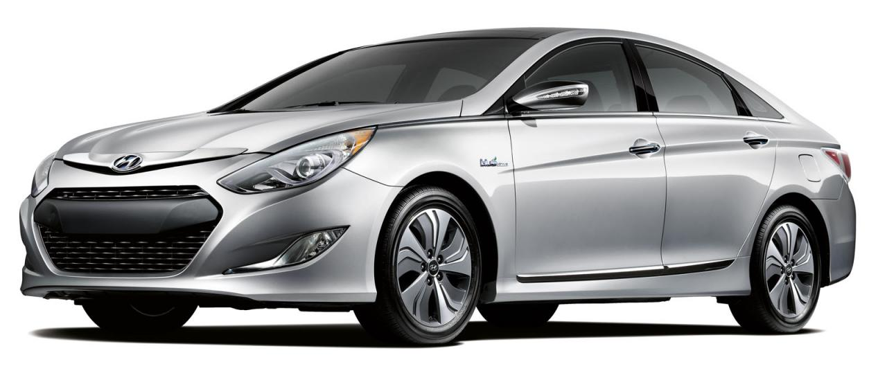 2013 Hyundai Sonata Hybrid in spotlight