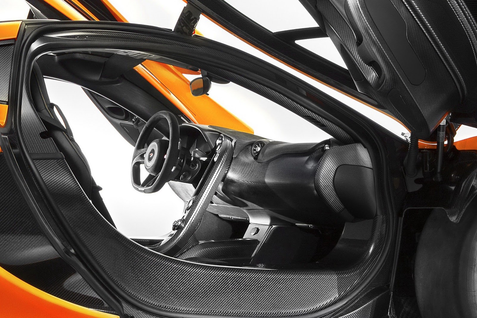 McLaren reveals the cabin of upcoming P1 supercar