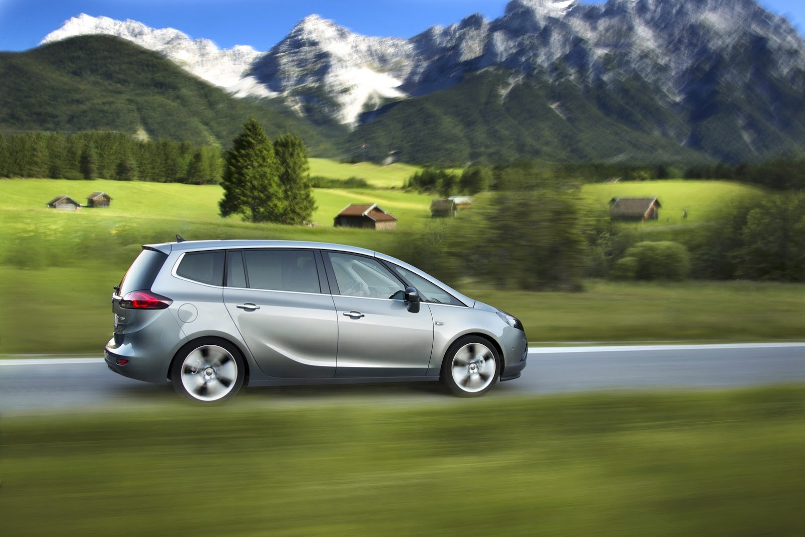 Opel Zafira Tourer is first to get GM's new 1.6L diesel engine
