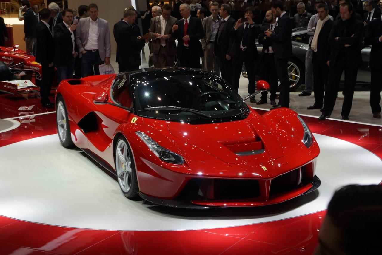 2013 LaFerrari rocks the stage at Geneva