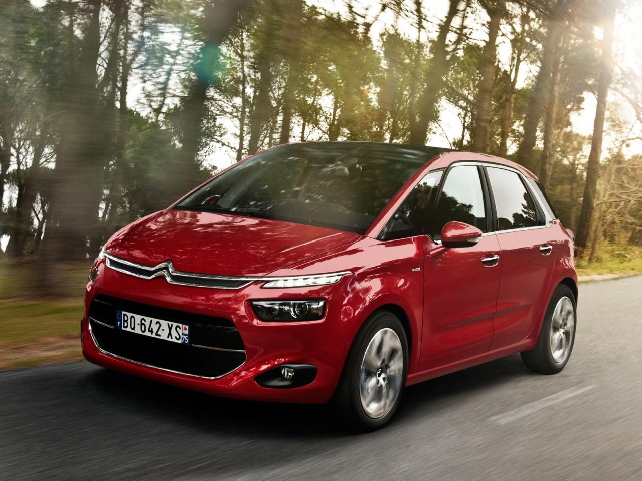 All-new Citroen C4 Picasso surfaces prior official debut