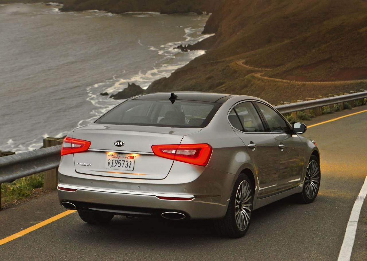 New Kia Cadenza starts at $35,100 in the States