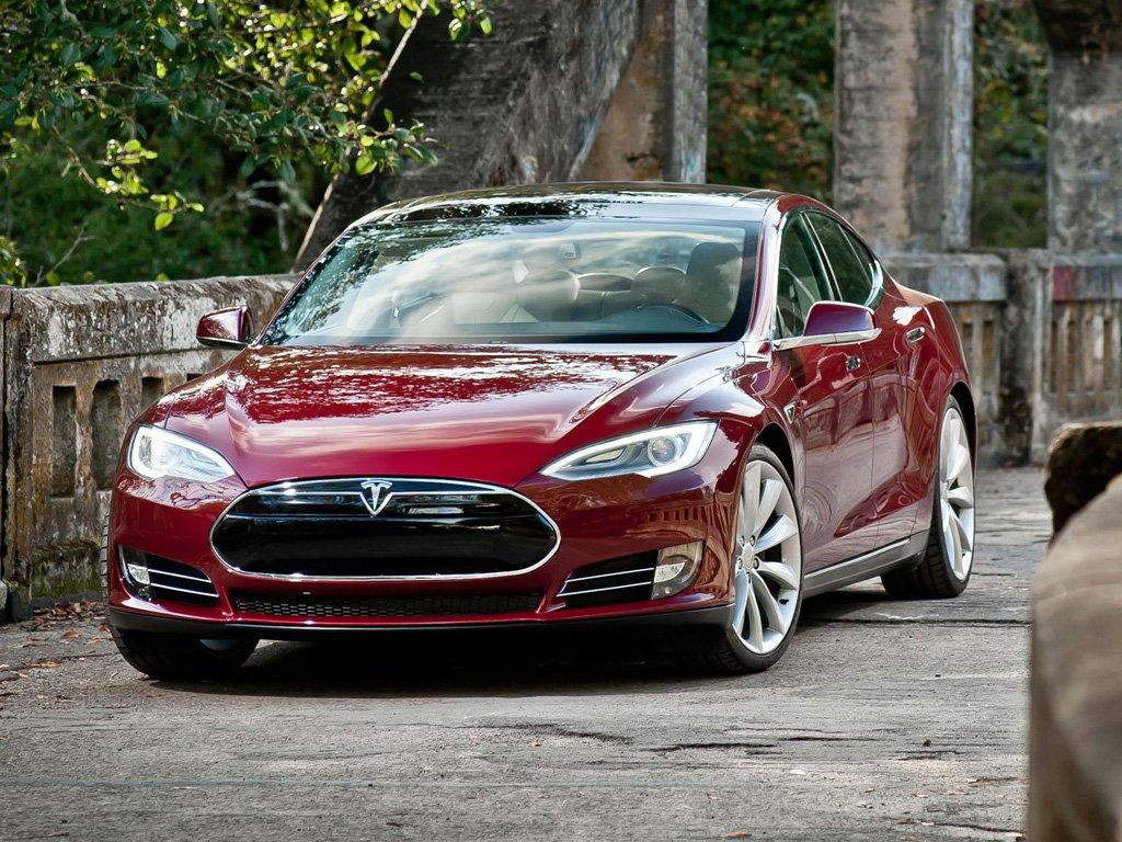 Tesla reveals the Model S Performance Plus