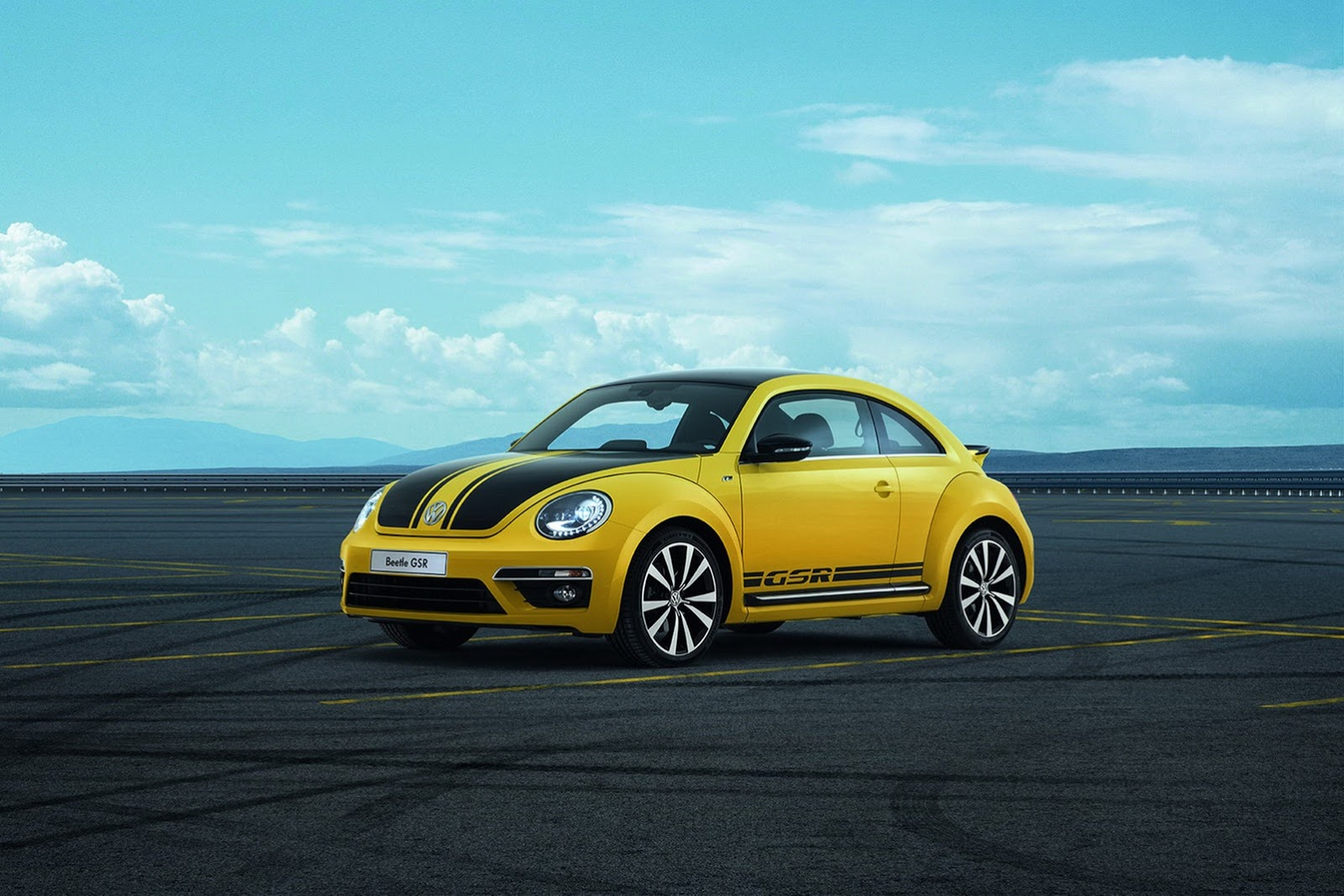 New Volkswagen Beetle GSR arrives in the UK